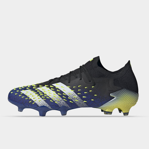 Predator Freak .1 Low FG Football Boots